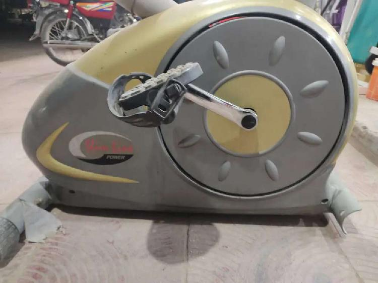 Slimline electric cycle exercise cycle cycling machine