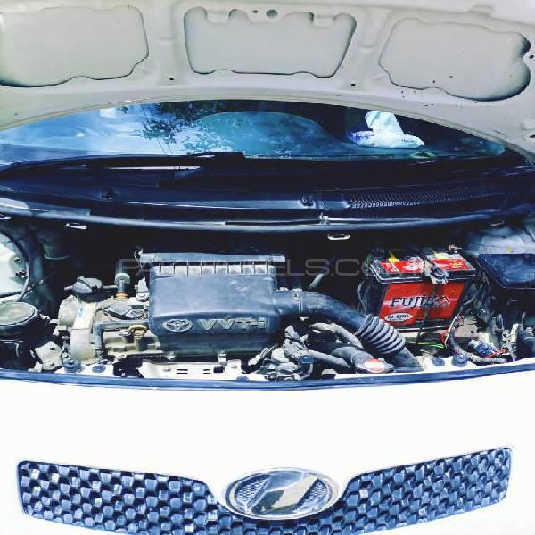 Toyota vitz f 1.3 2005