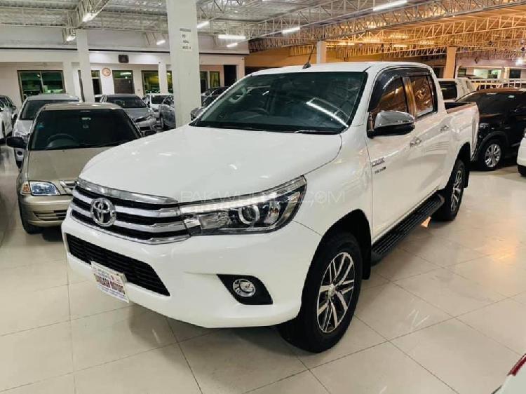 Toyota hilux revo v automatic 2.8 2021